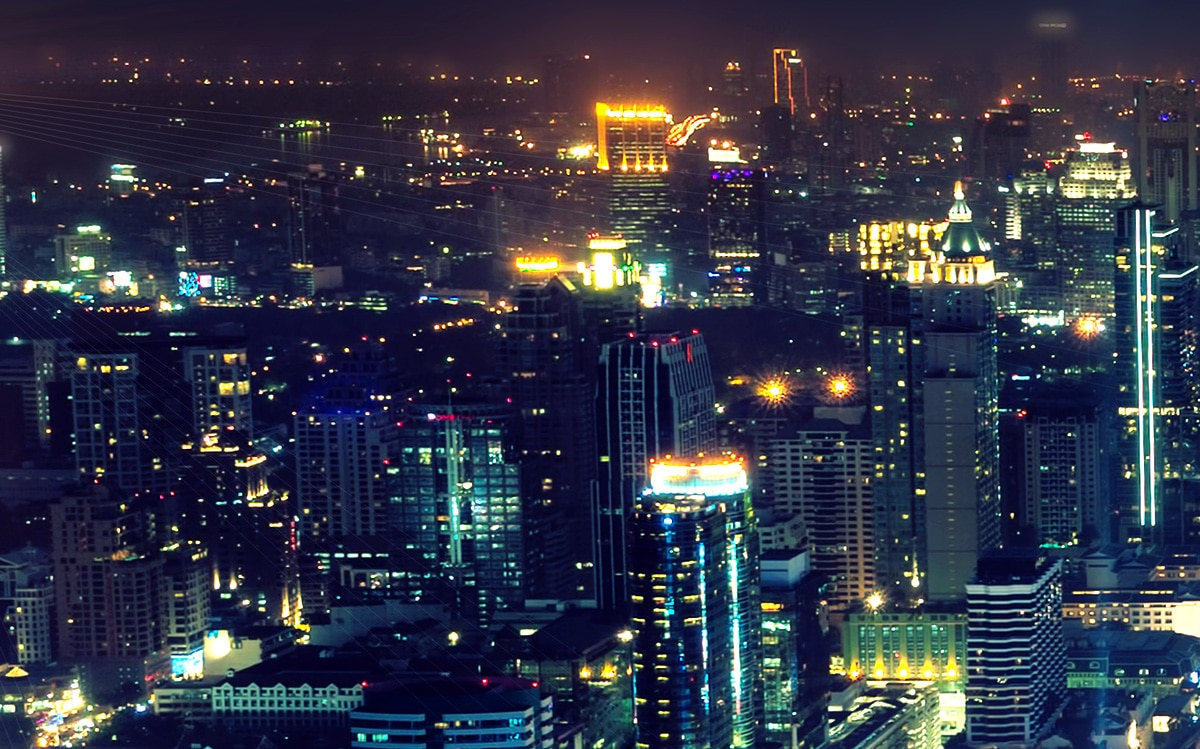 Bild zeigt eine Skyline | Lichtsmog